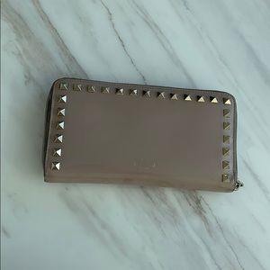 100% Authentic Valentino Garavani Rockstud Wallet